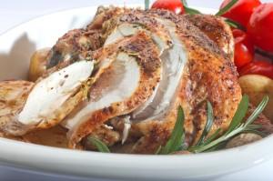 Smaczny Kurczak Zagrodowy z Podlasia pieczony ze swiezymi ziolami i cytryna