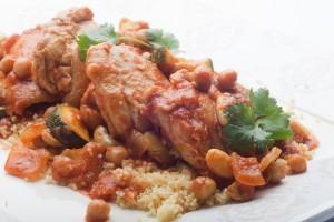 Marynowane uda z Kurczaka Zagrodowego duszone w pomidorach